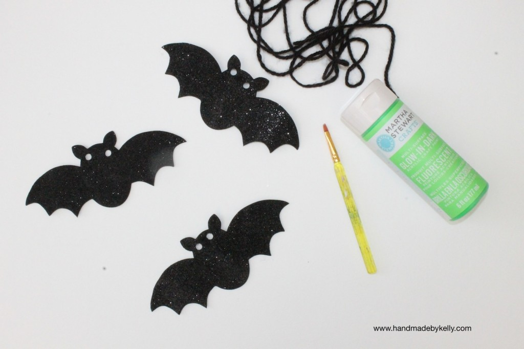 DIY: glow in the dark neon halloween bat garland decoration craft; www.handmadebykelly.com; www.klscrafts.com