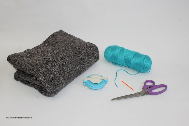 pom pom blanket; handmadebykelly.com; kelly ladd sanchez; momtastic.com