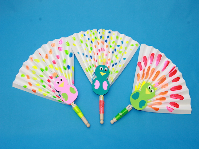 handmadebykelly.com peacock summer fan
