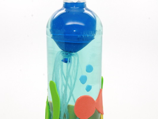 jellyfish in water bottle craft