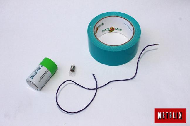Kid Lightbulb-Battery Experiment; handmadebykelly.com