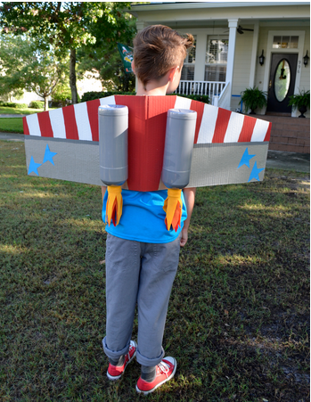 DIY Halloween Cardboard Costume Rocketman; handmadebykelly.com; scholastic.com
