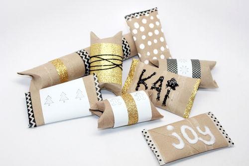 Stocking Stuffer and Gift Wrap Ideas; toilet paper rolls; thestir.com; handmadebykelly.com