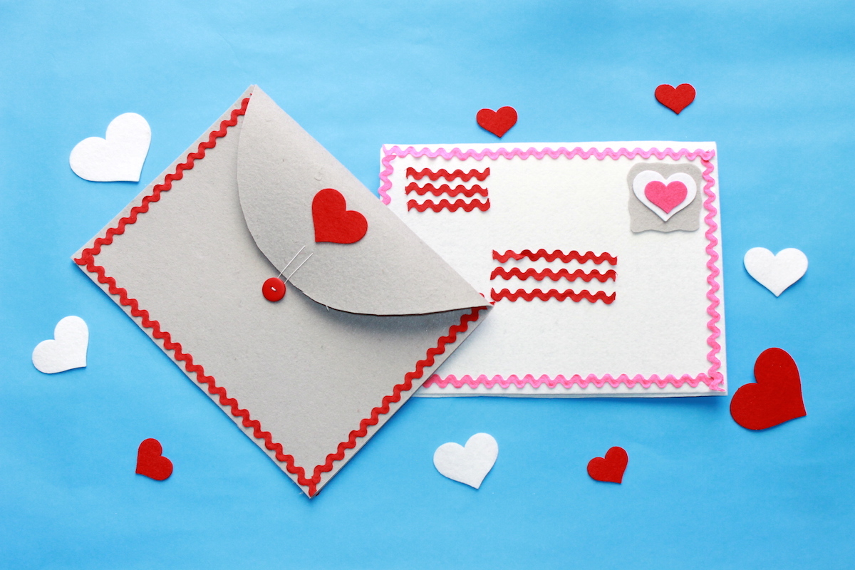 Diy Felt Valentine S Day Envelopes For Cards Handmade By Kelly