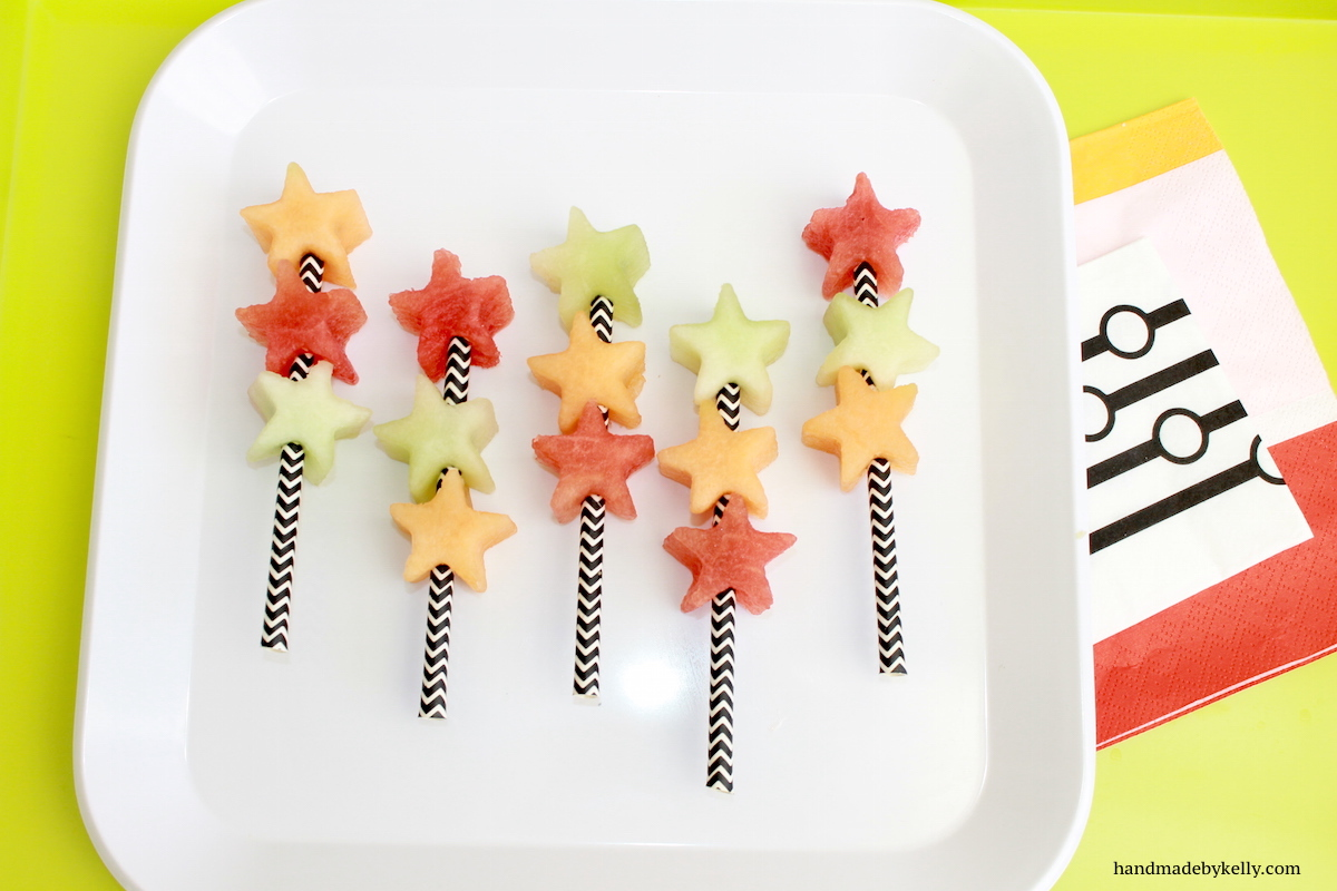 handmadebykelly.com; fruit on a stick