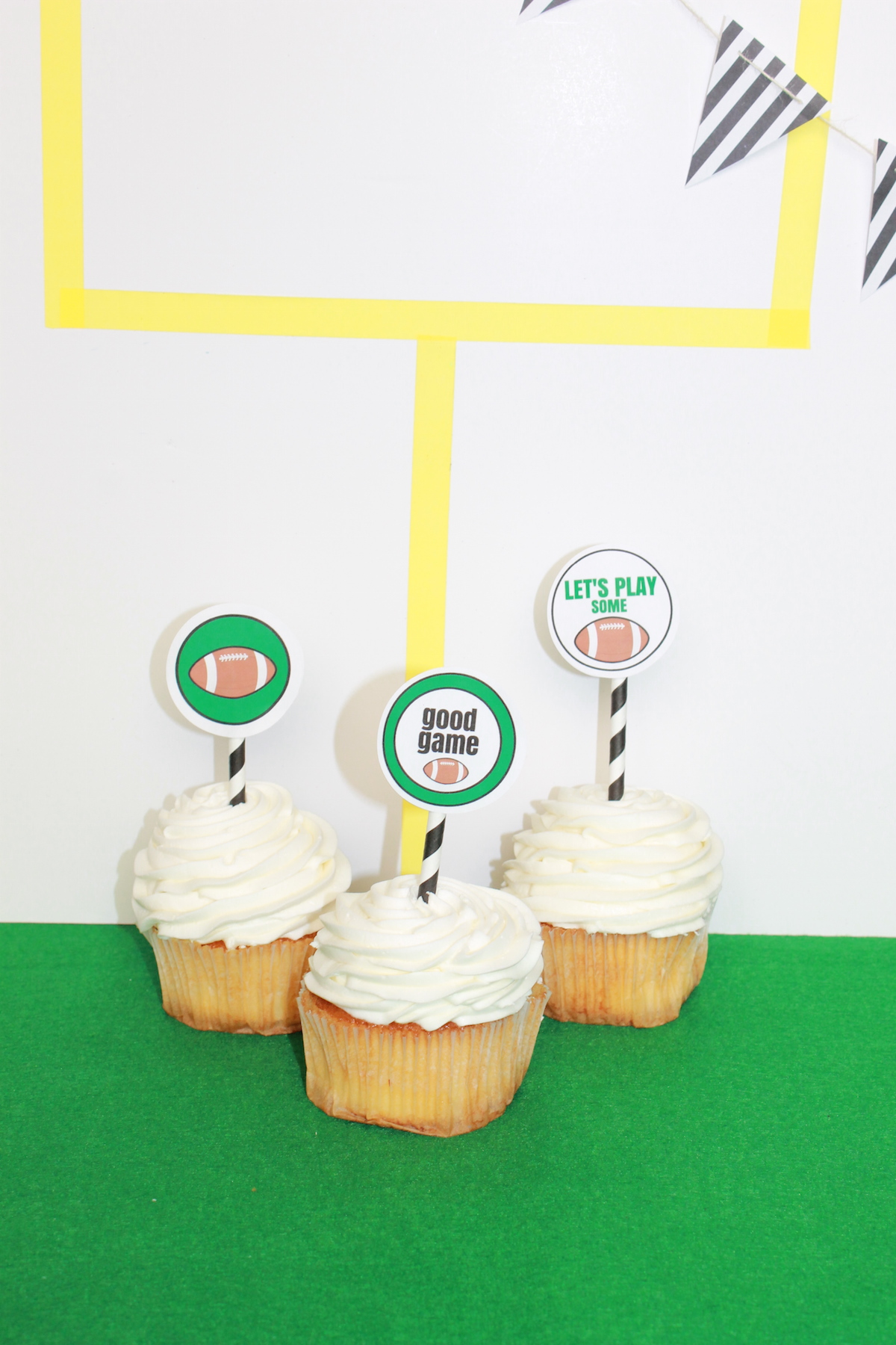 Super Bowl Party DIY; free printable; handmadebykelly.com; onlinelabels.com