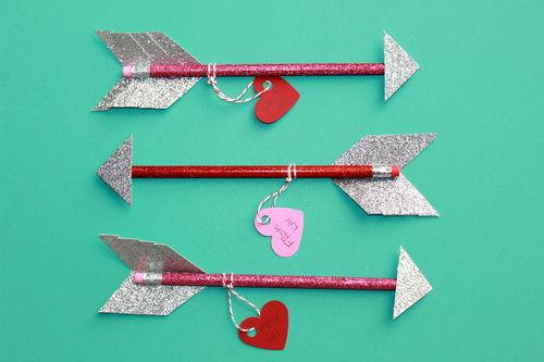 DIY Class Gift: Arrow Pencils; thestir.com; handmadebykelly.com