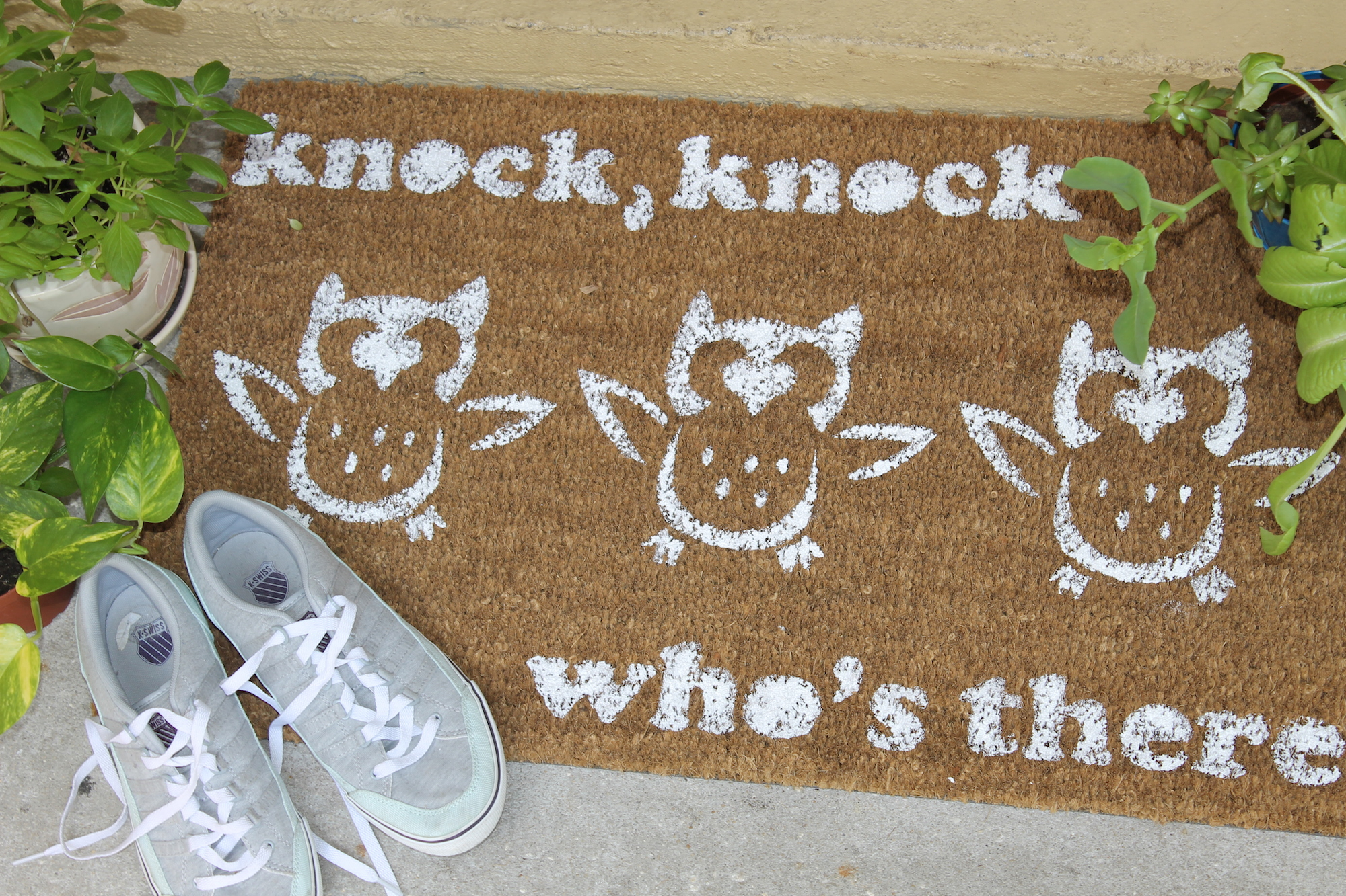 diy painted doormat; handmadebykelly.com; forrent.com