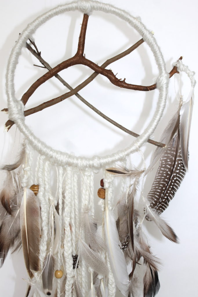 DIY Dream Catcher Craft Project; handmadebykelly.com; forrent.com