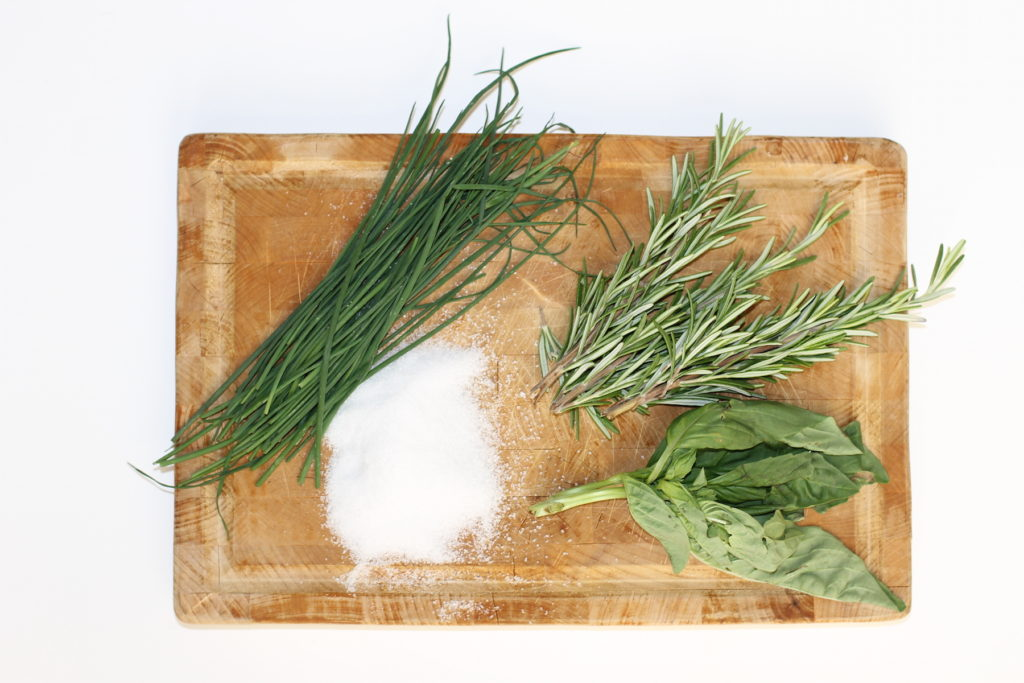 herb salt recipe; handmadebykelly.com; onlinelabels.com
