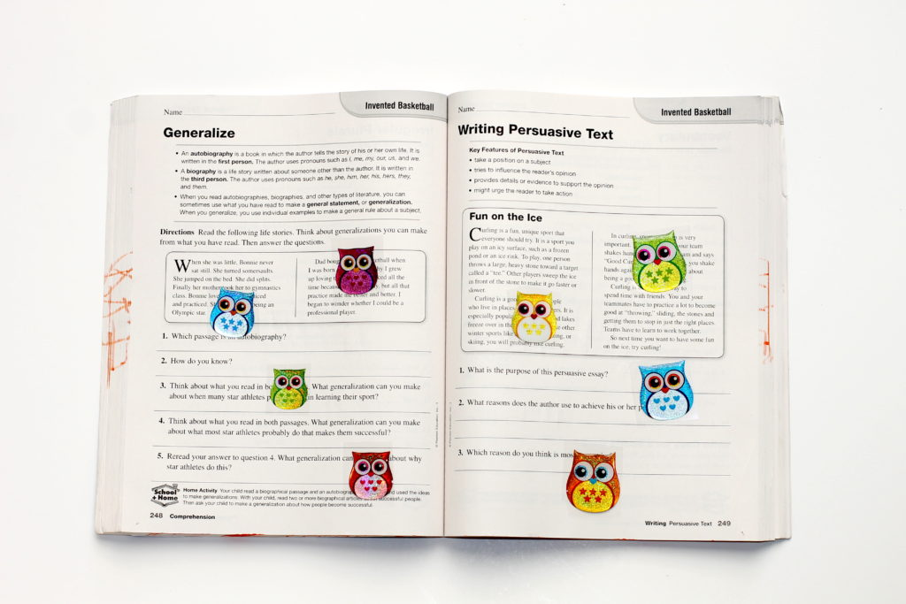 school hacks - handmadebykelly.com; thestir.comSTICKER BOOK!!!!