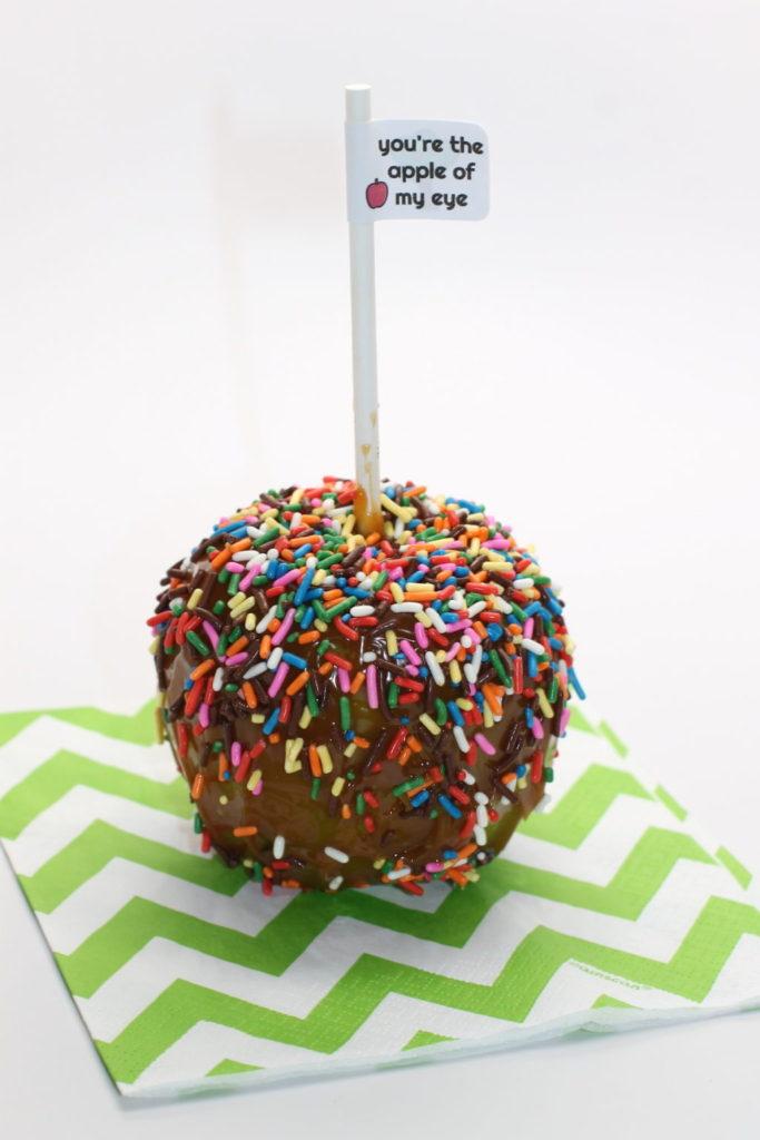 diy-caramel-apples-recipe-and-free-printable-onlinelabels-com-handmadebykelly-com