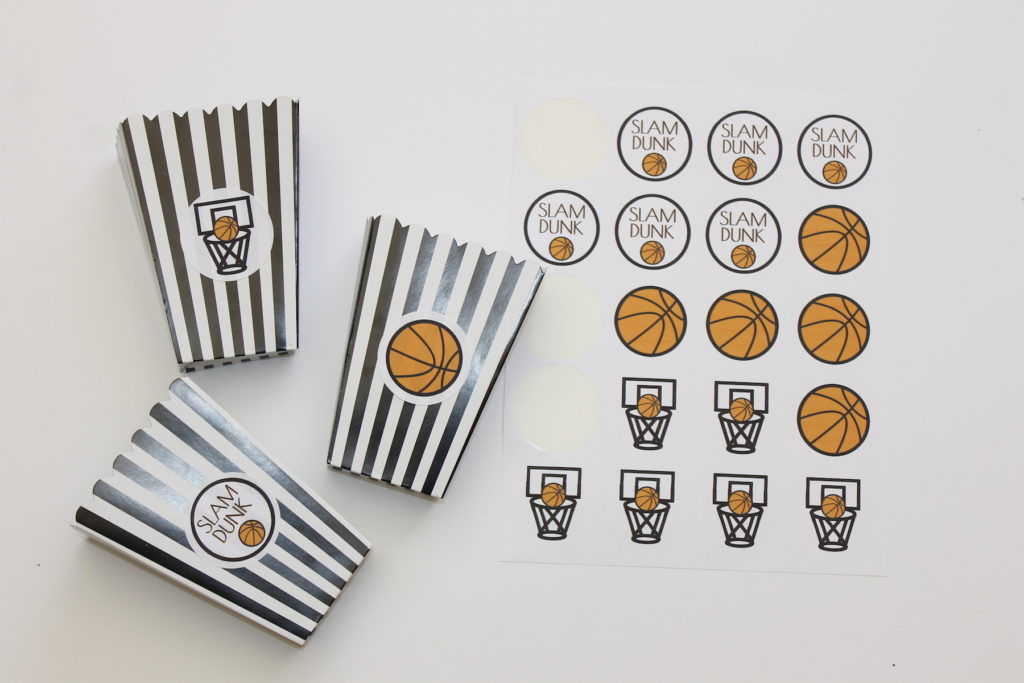 host a march madness party; handmadebykelly.com; onlinelabels.com